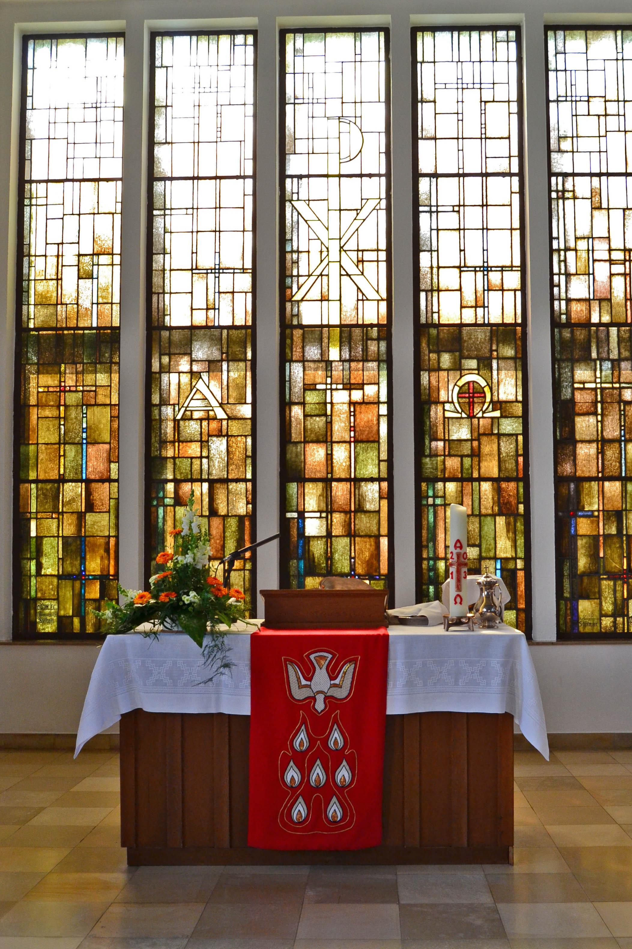 Der Altarraum der Sylbacher Kirche