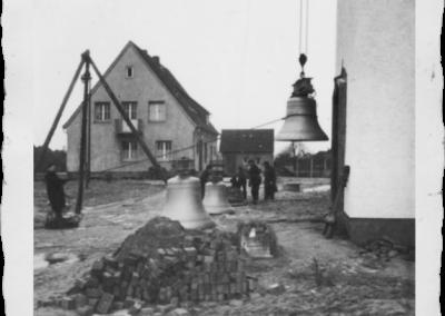 sylbach-glocken-hochziehen-pfarrhaus